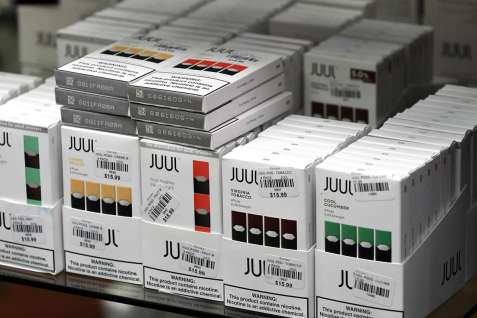 Juul in store by Will Waldron _Albany Times Union